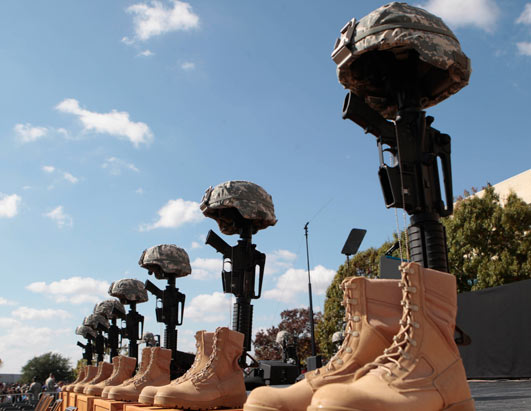 ap_Fort_Hood_Memorial_091110_ssh